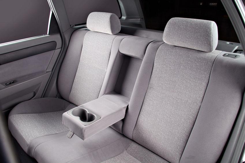 Giặt ghế xe hơi: Làm sạch tất cả các chất liệu: vải nỉ, bố, lưới, da